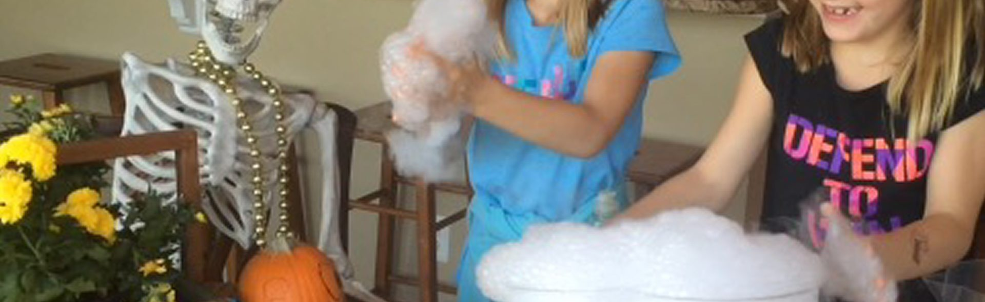 how to make a smoking cauldron without dry ice